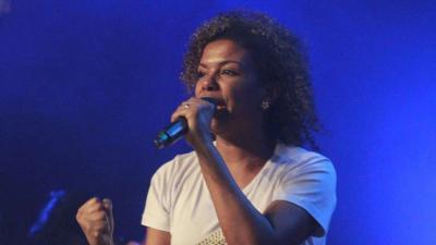 Nivea Soares